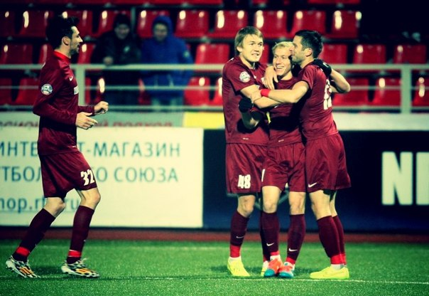 Дмитрий Сысуев празднует гол в ворота Шинника